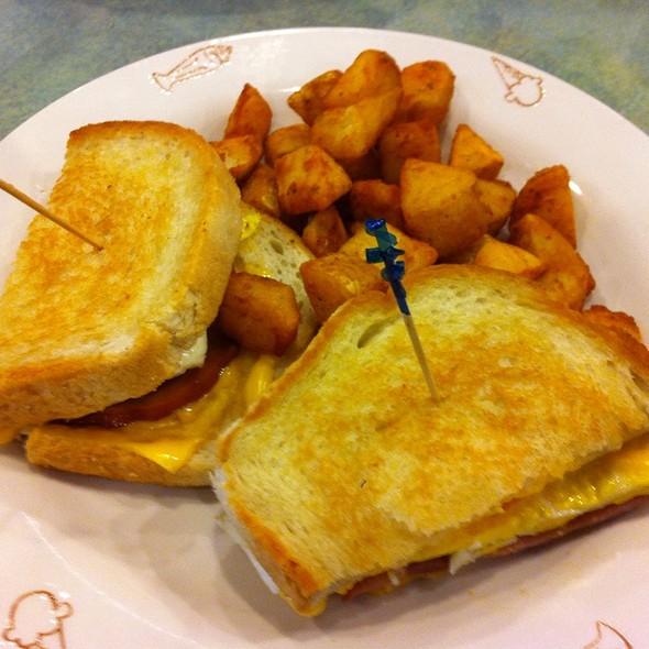 Egg, Tomato, Onions, And Cheese Sandwich @ Friendly's Ice Cream Shop