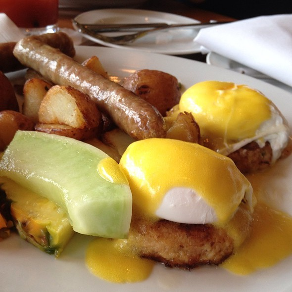Crab Cake Eggs Benedict Vancouver