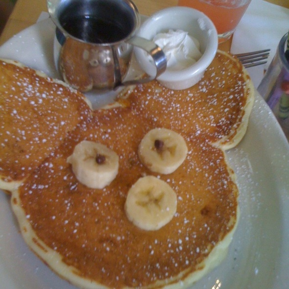 Banana Pancakes @ Mother's Bistro and Bar