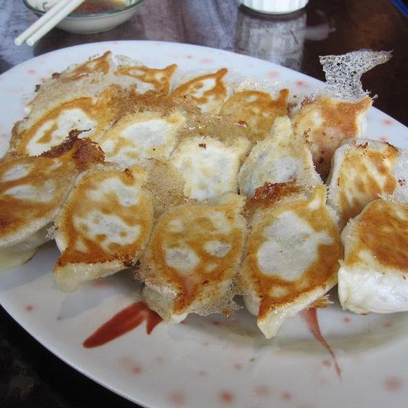 Pan-fried Pork and Chinese Cabbage Dumplings @ Mai Xiang Yuan