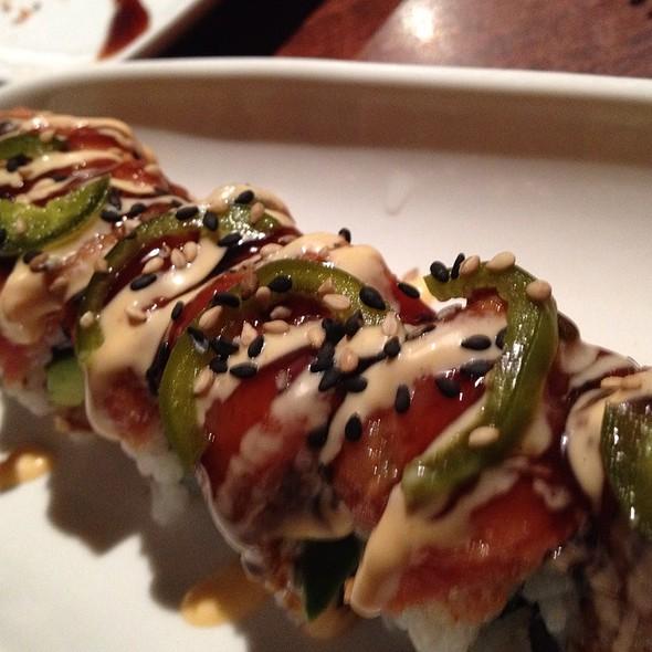 Alpha Roll @ domo sushi