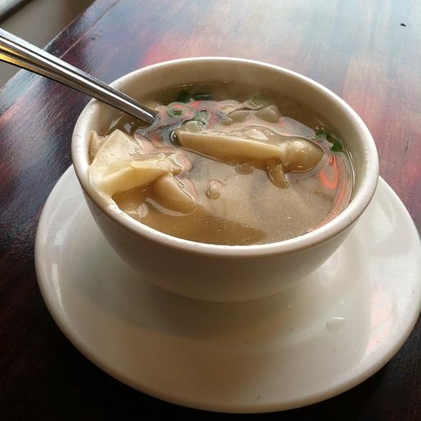 Wonton Soup @ Yu's Szechwan