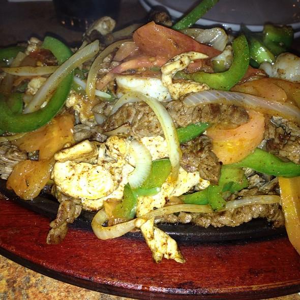 Fajitas Puerto Vallarta @ Tres Amigos Mexican Grill
