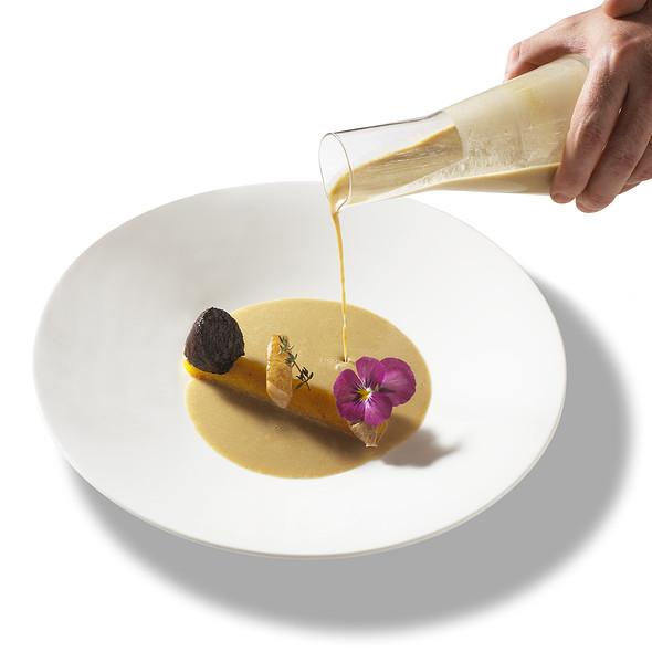 delicioso crema de lentejas, murgulas y aire de foie. @ Antigua