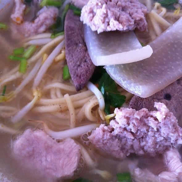 Pok Noodles猪肉粉 @ 村家猪肉粉