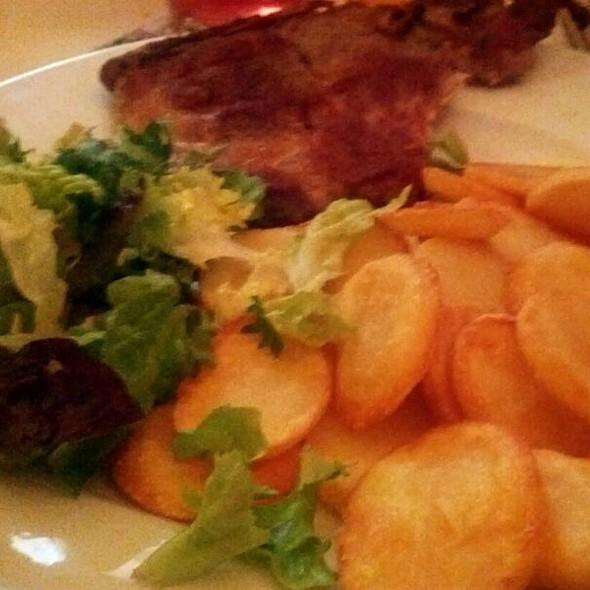 Karbonade, Aardappels met Sla @ Yvette's Home