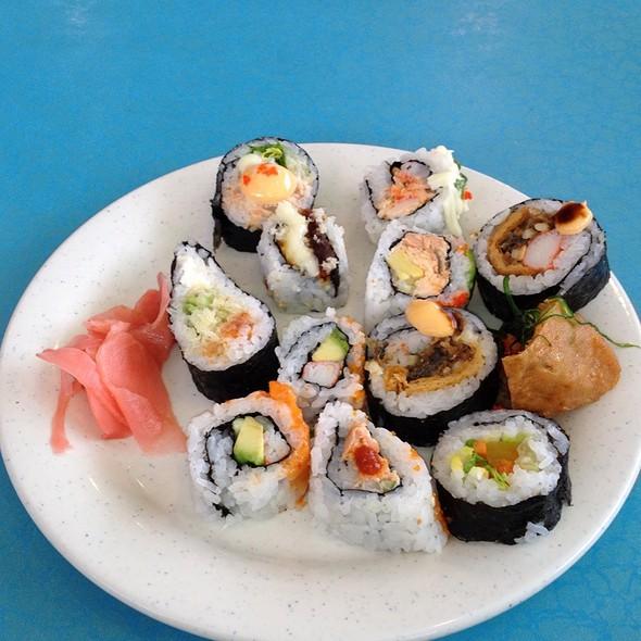 Sushi @ Win Buffet