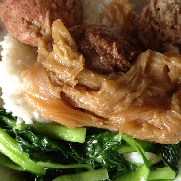 Meatballs With Chinese Greens @ Chez Liu Mama