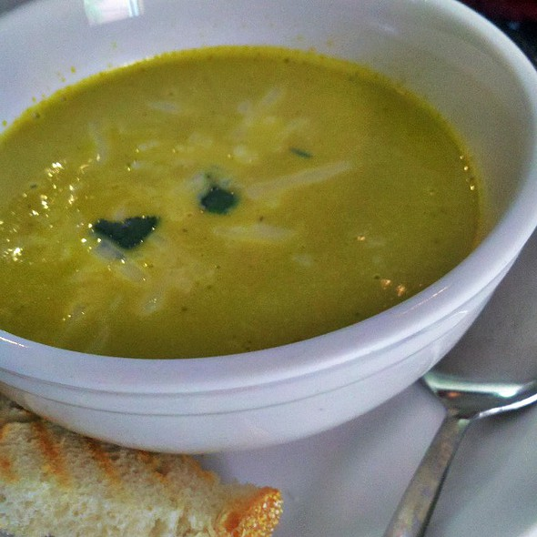 Roasted Corn Chicken Cream of Poblano Soup @ Bowl