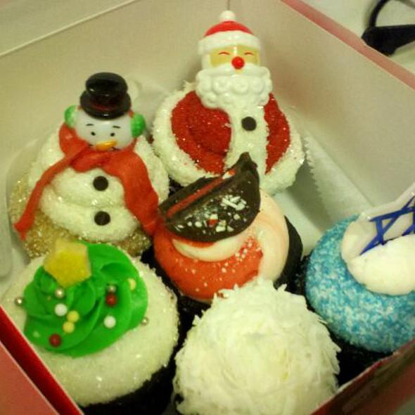 Vegan Cupcakes @ Sweet Avenue Bake Shop