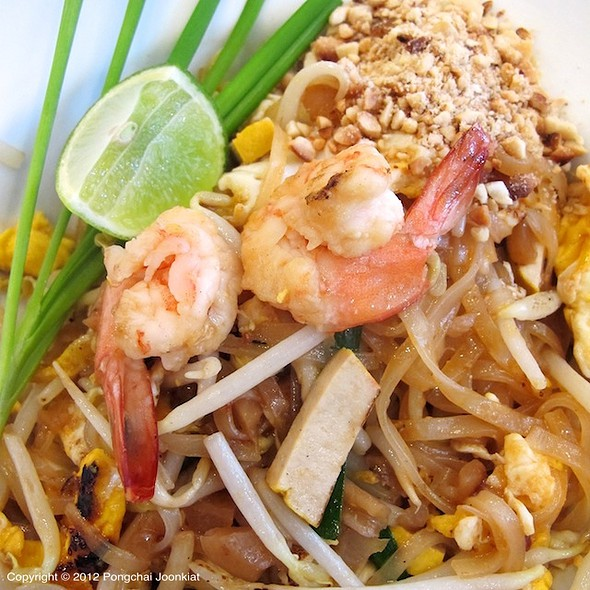 Pad Thai @ Little Home @ Sathorn Thani Complex