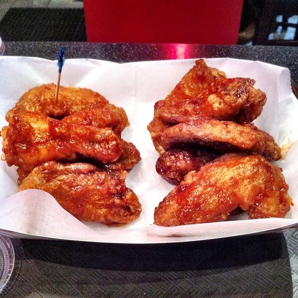 Spicy And Soy Garlic Korean Fried Chicken @ Bon Chon Chicken