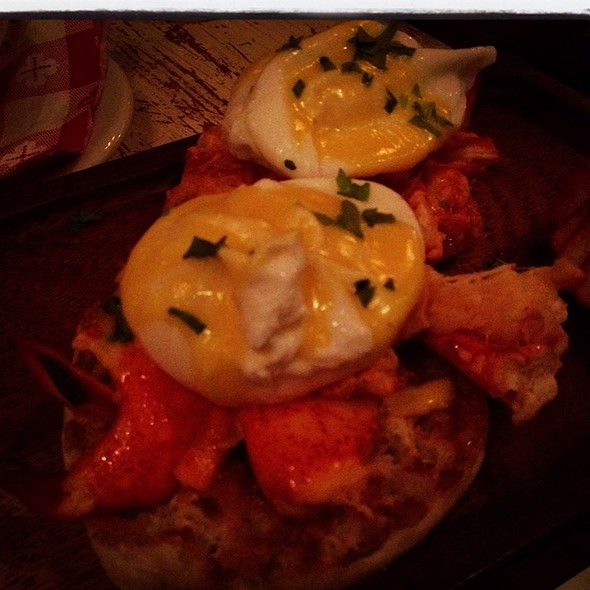 Lobster Benedict @ Sons Of Essex