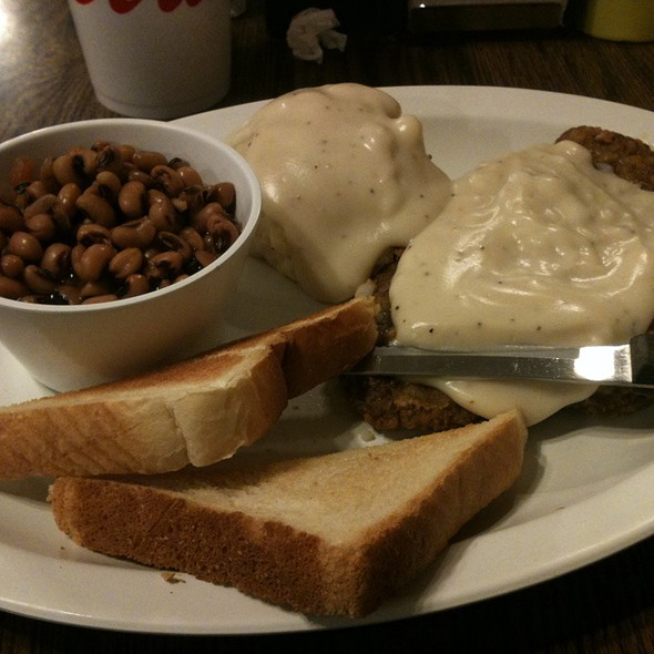Chicken Fried Steak With Mashed Potatoes And And Black Eyed Peas @ Cotton Gin Cafe
