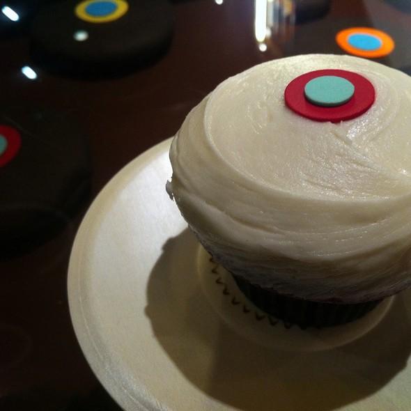 Red Velvet Cupcakes @ Sprinkles Cupcakes