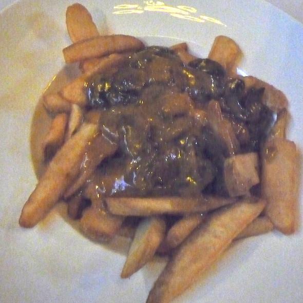 Pub Chips with Mushroom Gravy and Cheese @ de Vere's Irish Pub