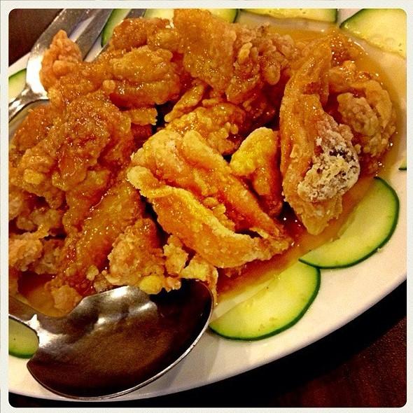 Crispy Fried Chicken with Lemon Sauce  @ Causeway Seafood Restaurant