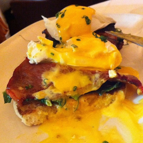 Eggs Benedict With Lobster Hollandaise @ Jar