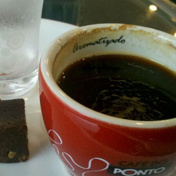 Espresso Com Creme Irlandês @ Cafe Do Ponto