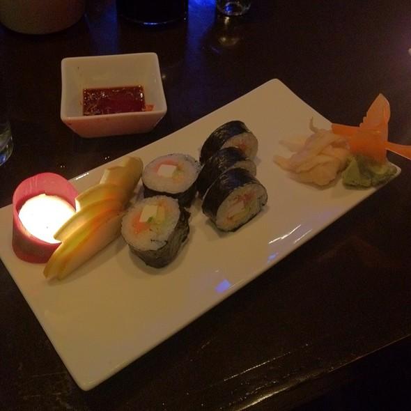 Philadelphia Roll - Makisu Sushi Lounge and Grill, Skokie, IL