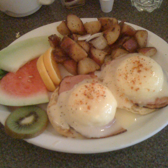 Eggs Benidict @ Artisan Resto-Cafe