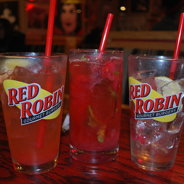 Strawberry Lemonade @ Red Robin Gourmet Burgers