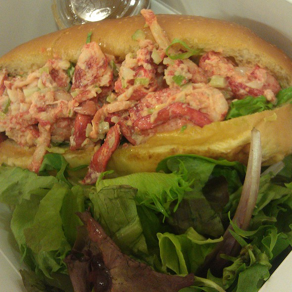 Lobster Roll (Sandwich) @ Sagaponack Bar & Grill