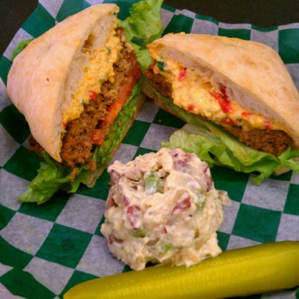 Spicy Pimento Cheeseburger @ Spicy Green Gourmet