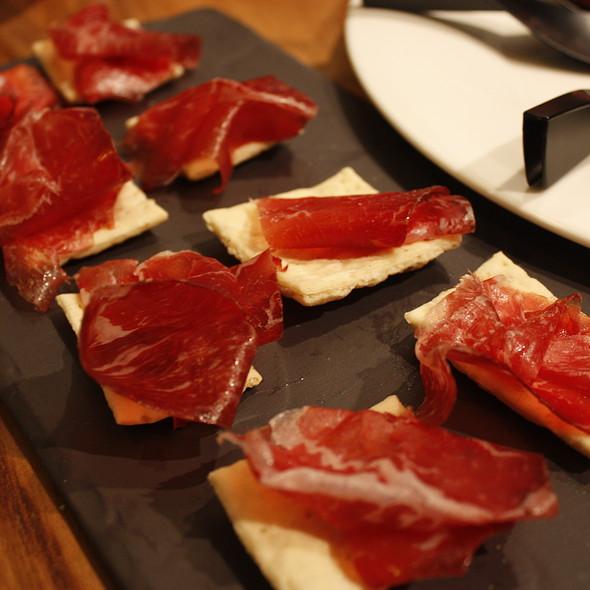 Jamón elaborado con carne de buey @ Madrid Fusión