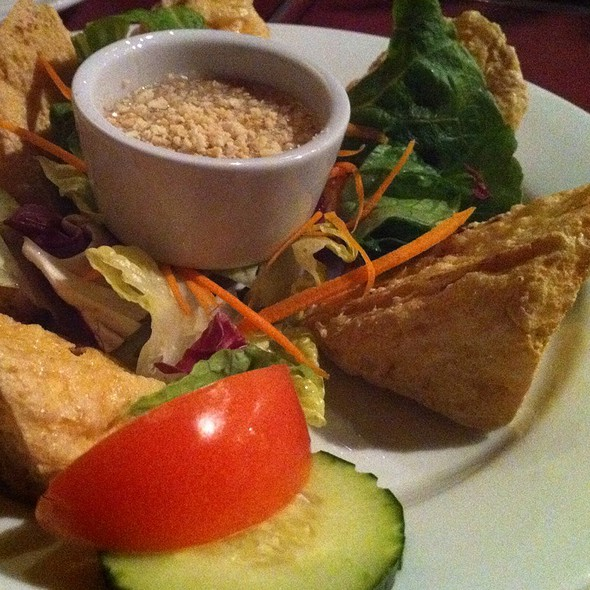 Golden Triangles With Plum Sauce @ Pattaya