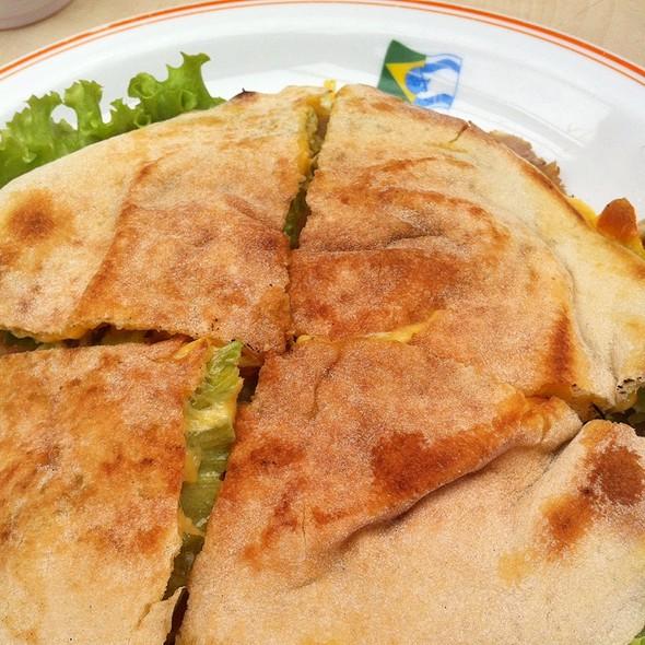 Roast Beef Beirut @ Pedrinho, Clube Hebraica