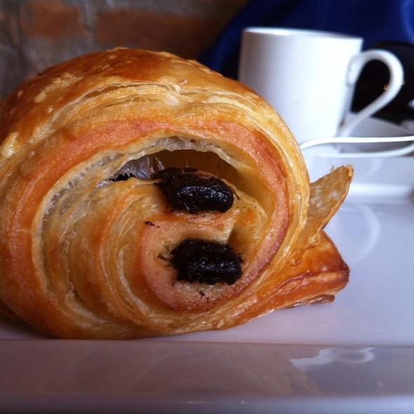 Pain au Chocolat @ Julice Boulangere