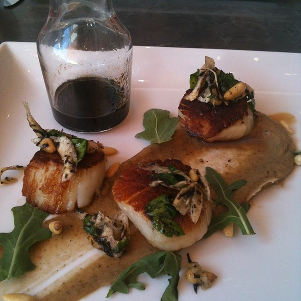 Scallop With 18Yr Aged Balsamic Vinegar @ Fig & Olive
