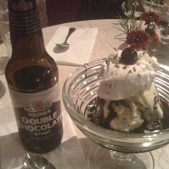 Brownie with Ice Cream @ Chocolate Room