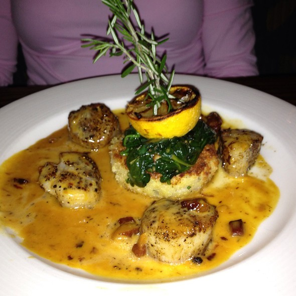 Pan Seared Paprika Dusted Scallops @ Green Valley Grille
