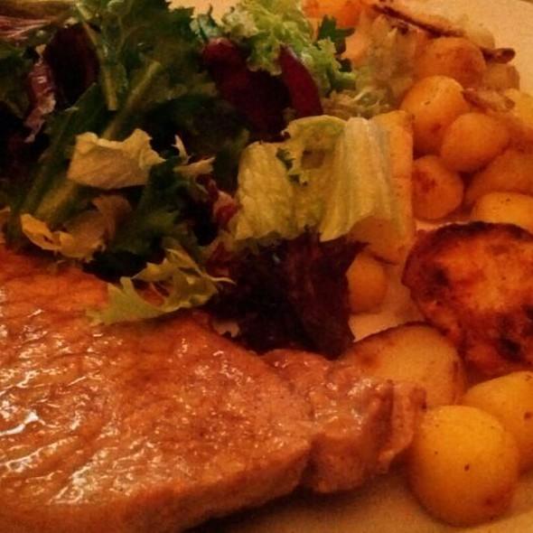 Varkenslap, Gebakken Aardappels en Sla @ Yvette's Home