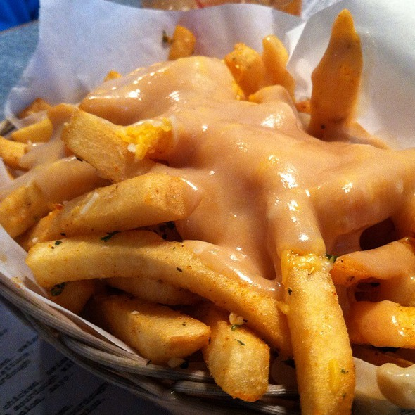 Volcano Fries @ Downbeat Diner and Lounge