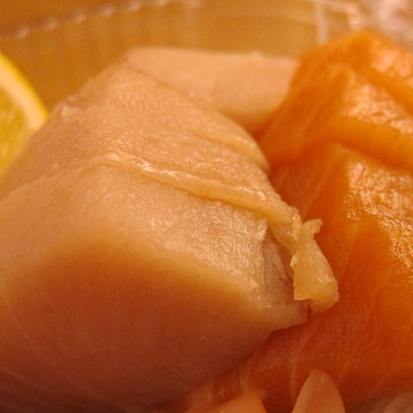 Sashimi @ Yo Sushi