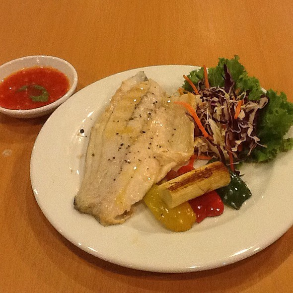 Grilled Fillet White Snapper With Thai Spicy Seafood Sauce @ Amigos Restaurant