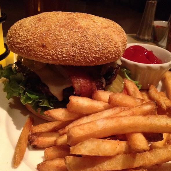 Riverside Burger - Riverside, Hood River, OR