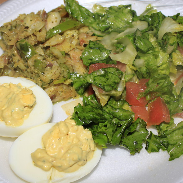Caribbean salad with devil eggs @ Homemade
