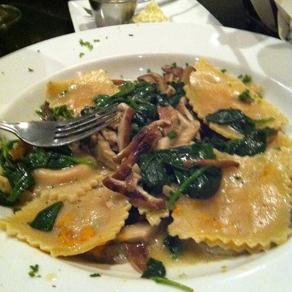 Sweet Potato Ravioli With Mushrooms. (Made Special For Me Wil No Cheese) - Brown Dog Cafe, Blue Ash, OH