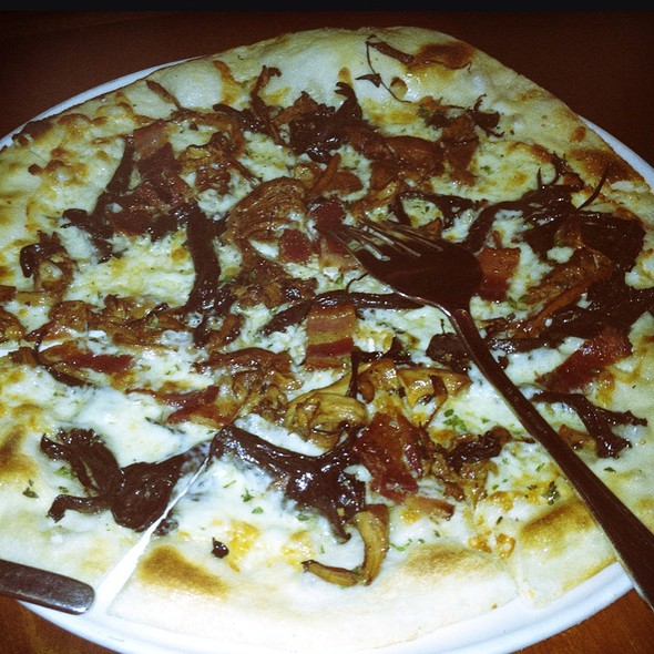 Bacon & Chanterelles Pizza @ Rose Pistola