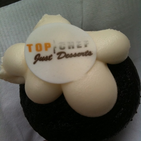 Mini Black and White Cupcakes @ Sugar Bliss Cake Boutique