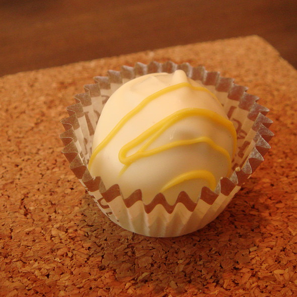 Lemon Supreme Cake Truffle @ Schakolad Chocolate Factory