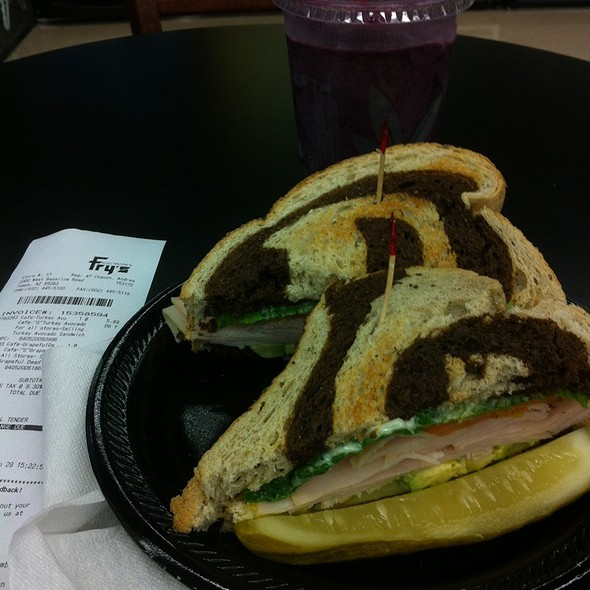 Turkey Avocado Sandwich @ Fry's Electronics