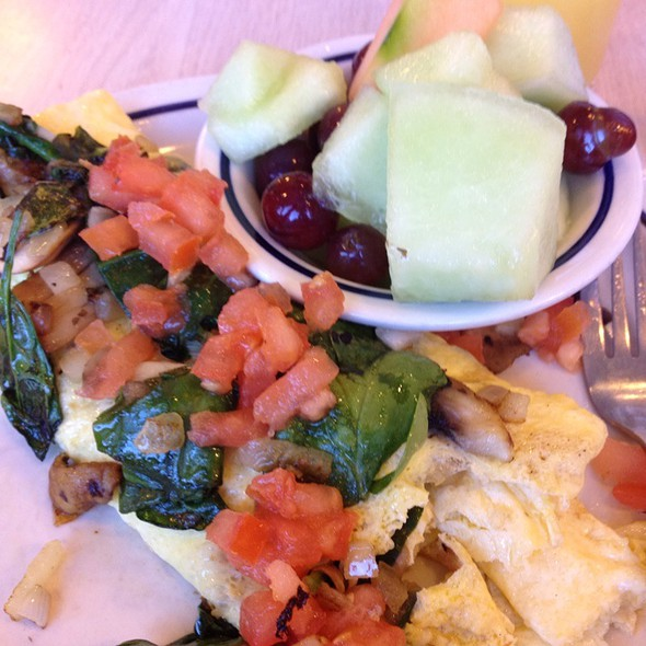 Simple And Fit Mushroom, Spinach Omelette @ IHOP Restaurant