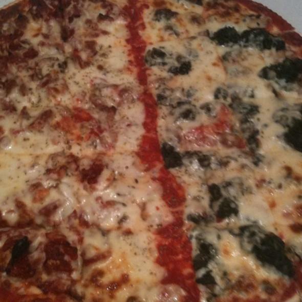 Thin Crust Pizza With Half Spinich Half Sun-Dried Tomato And Full Mushroom - D'Agostino's - Park Ridge, Park Ridge, IL