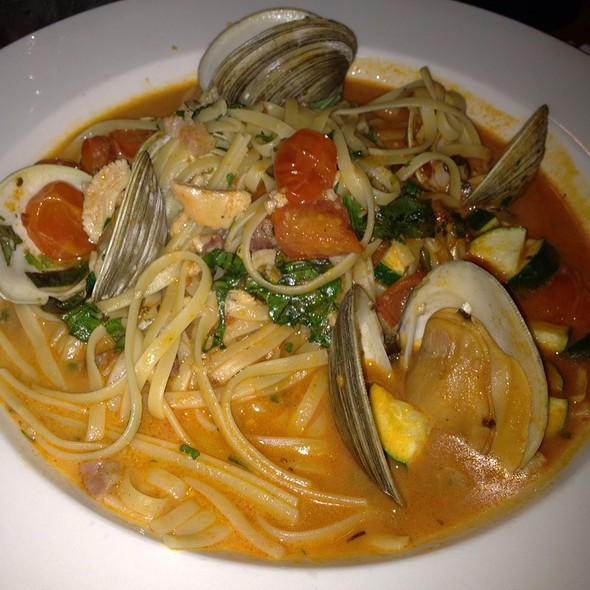 Linguine with fresh clams - La Tavola - Sayville, Sayville, NY
