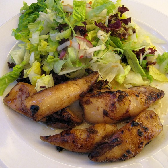 Grilled Mini Squid with Garlic Butter and Salad @ Paparazzi Restaurant